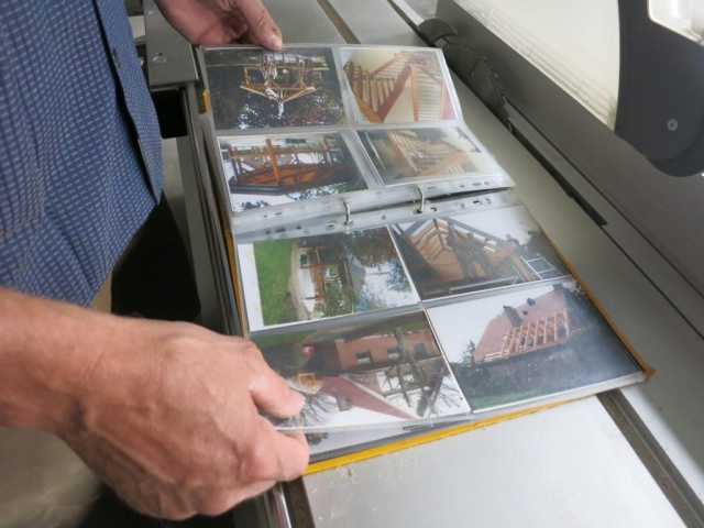 Dirk Moschüring stöbert in alten Werken, Erinnerungen an frühere Zeiten.
